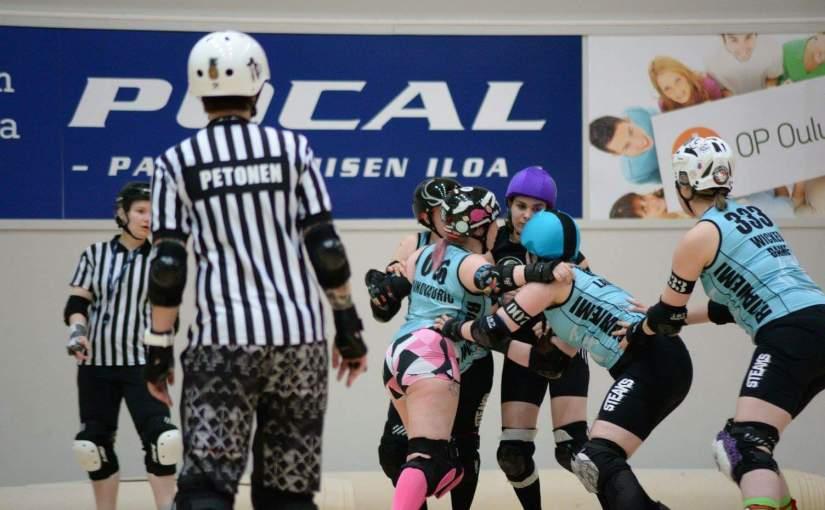 Lajiesittelyssä roller derby ja paikallinen Roll-On Derbyjoukkue